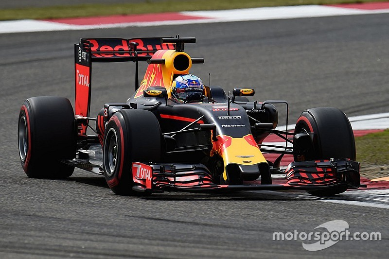 f1-chinese-gp-2016-daniel-ricciardo-red-bull-racing-rb12.jpg