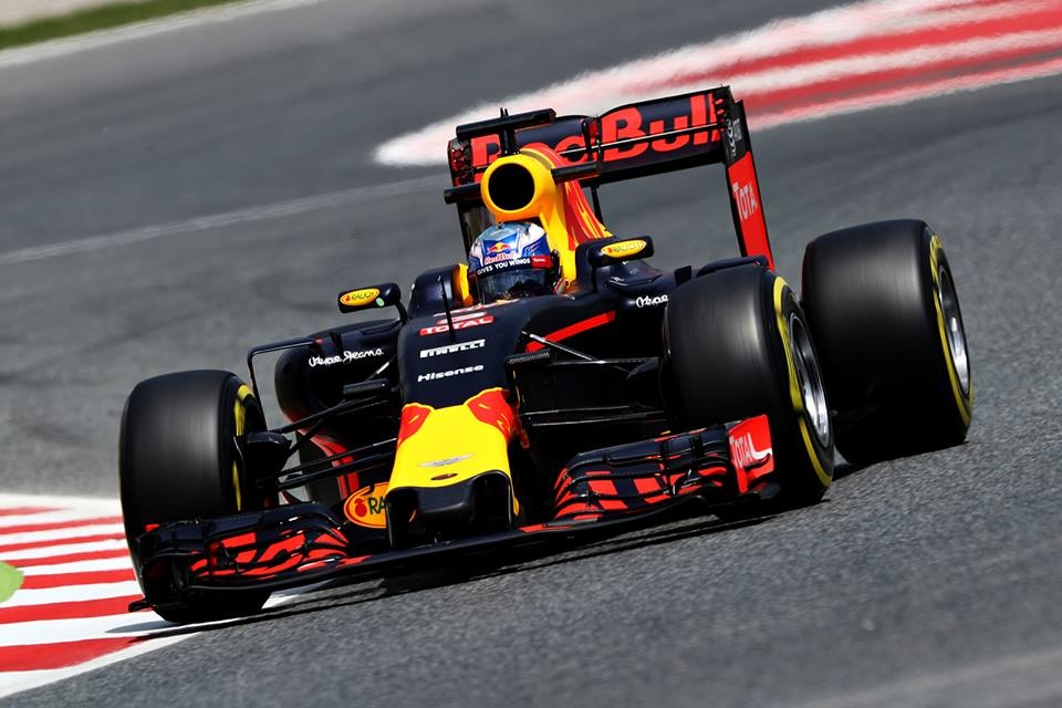 Daniel-Ricciardo-2016-Spanish-GP-Qualifying-Red-Bull-Racing.jpg