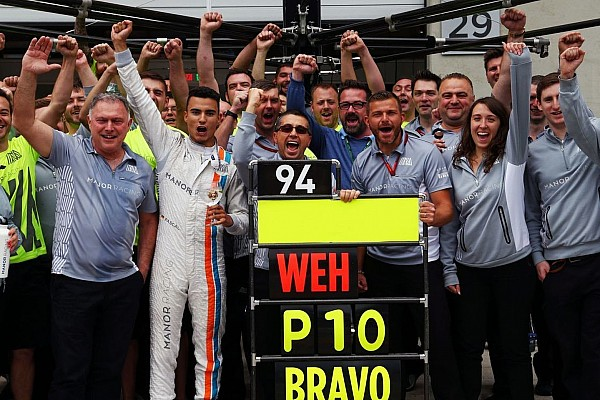 f1-austrian-gp-2016-pascal-wehrlein-manor-racing-celebrate-his-top-10-finish-with-the-team.jpg