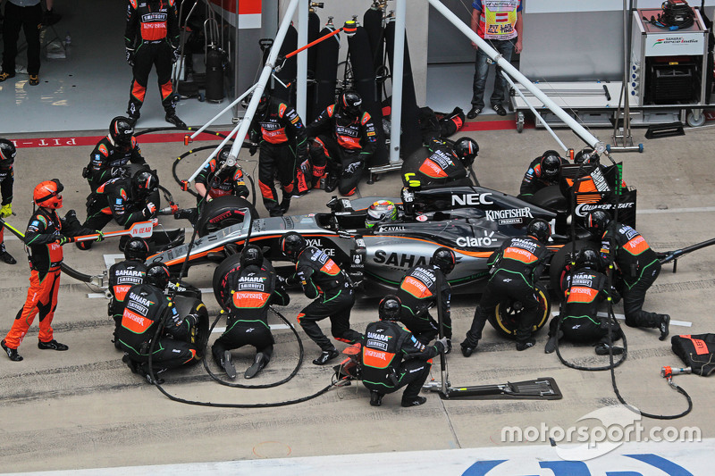 f1-austrian-gp-2015-sergio-perez-sahara-force-india-f1-vjm08-makes-a-pit-stop.jpg